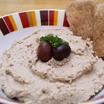 walnut-hummus
