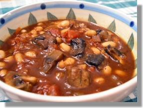"""Meaty"" Italian Mushroom Chili"