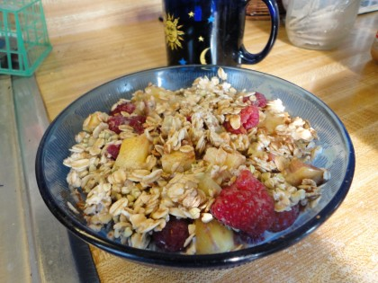 gluten free oats, buckwheat groats, pineapple, raspberry, almond milk