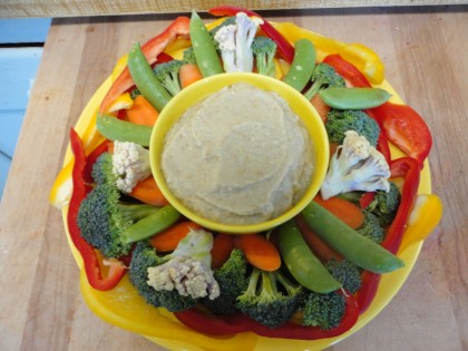 veggie plate with baba ganoush