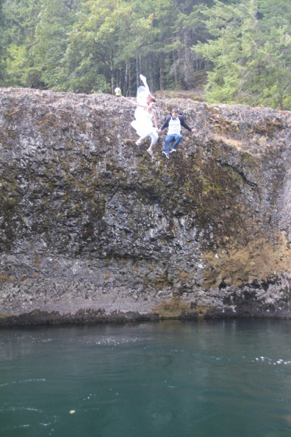 wedding jump Clackamas River Oregon