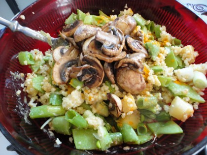 millet, sugar snappeas, green onions, pineapple, mushrooms, ginger tumeric, lime