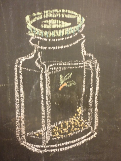 chalk drawing of garlic granule bottle