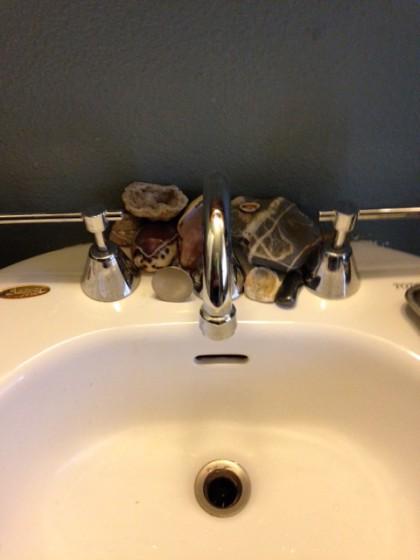shells, rocks, sink